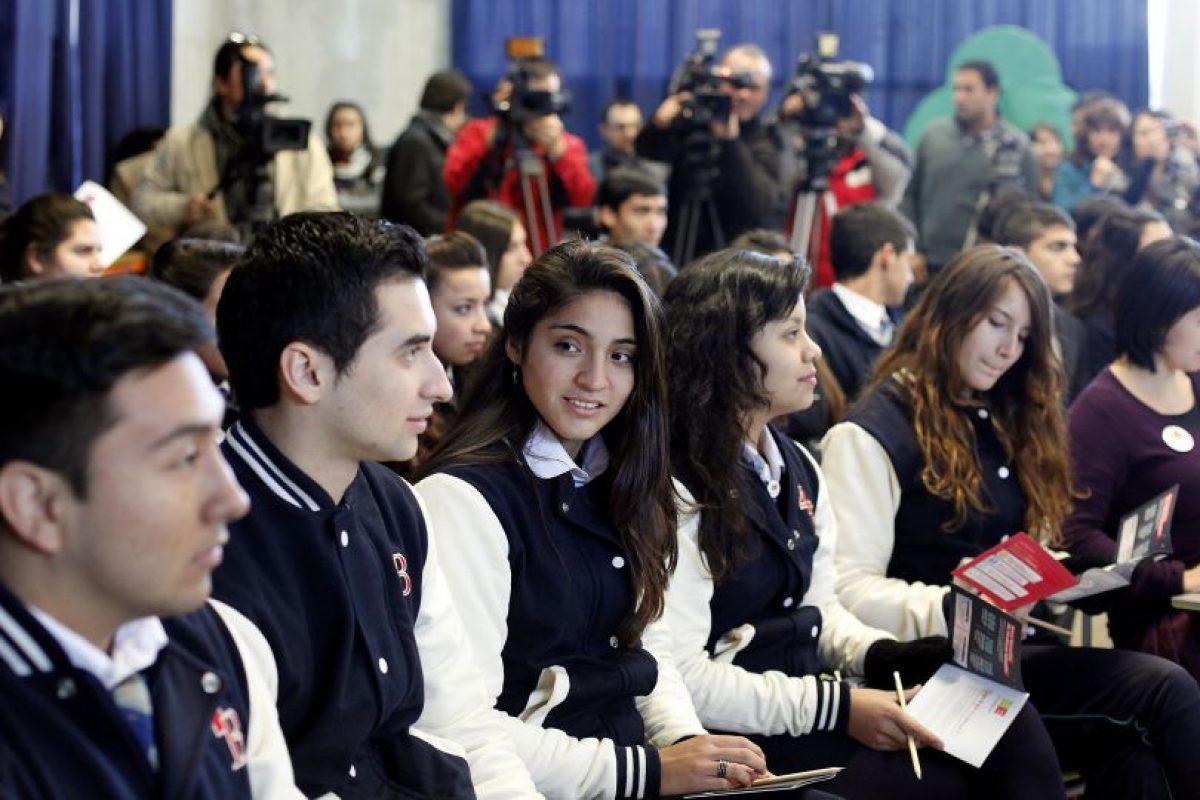 """Según plantea el informe """"Educación sexual en Chile: Pluralismo y libertad de elección que esconde una propuesta gubernamental conservadora"""", publicado el año 2010 por la Universidad de Chile, ambos planes (tanto el del 2005, como el del 2010), buscaban responder a un debate pendiente. """"Desde el retorno a la democracia en los noventa, la educación sexual basada en el contexto escolar ha sido un tema de controversia en la sociedad chilena"""". Foto:Agencia UNO. Imagen Por:"""
