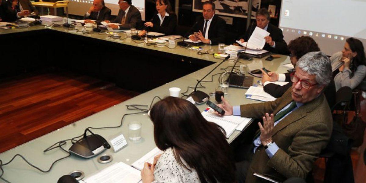 Comisión del Senado aprueba ley para elección de intendentes