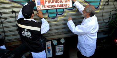 Prohíben funcionamiento a local de sushi en el centro de Santiago por presencia de cucarachas