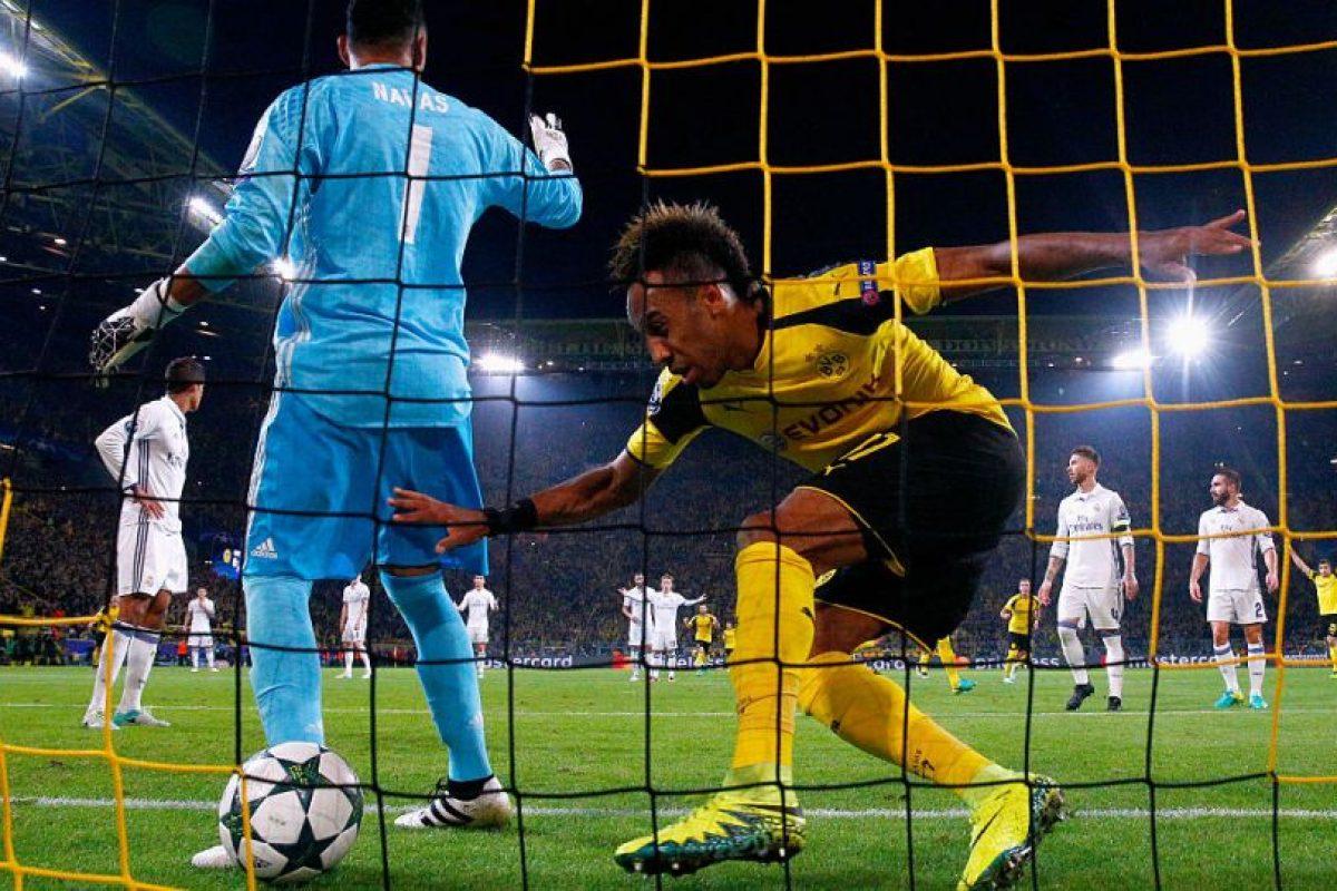 La decisión le costó caro al Real Madrid y provocó el primer gol de Borussia Dortmund. Foto:Getty Images. Imagen Por:
