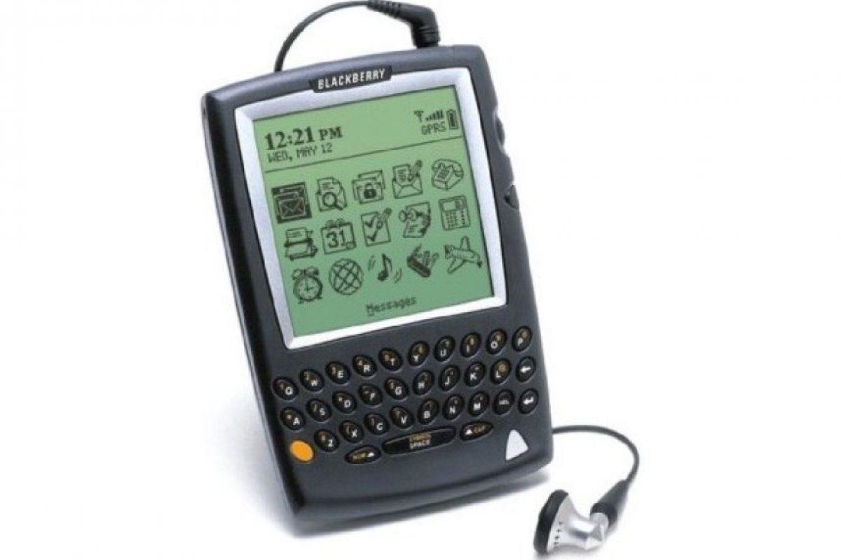 Blackberry 5810 Foto:Reproducción / engadget.com. Imagen Por: