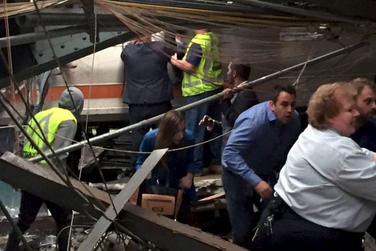 Aún se investiga si la velocidad del tren fue un factor en el accidente Foto:Getty Images. Imagen Por: