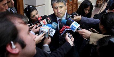 Periodistas querellados de Qué Pasa acusan que actuar del abogado de Bachelet