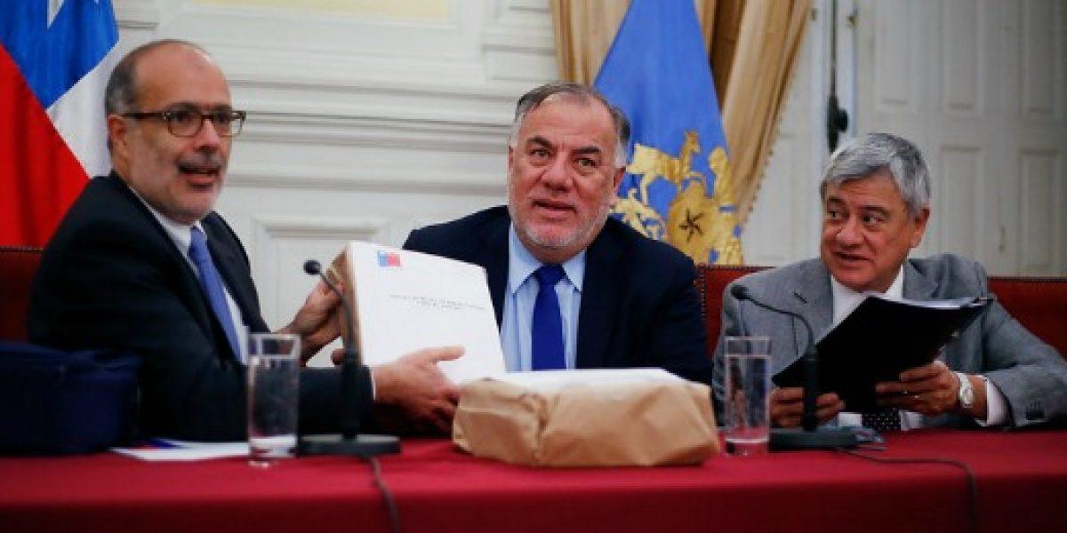 Valdés indica que alza de pensión básica solidaria implica gasto fiscal de $125 mil millones al año