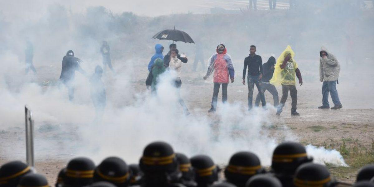 Francia: incidentes entre policía y manifestantes a favor de campamento de migrantes