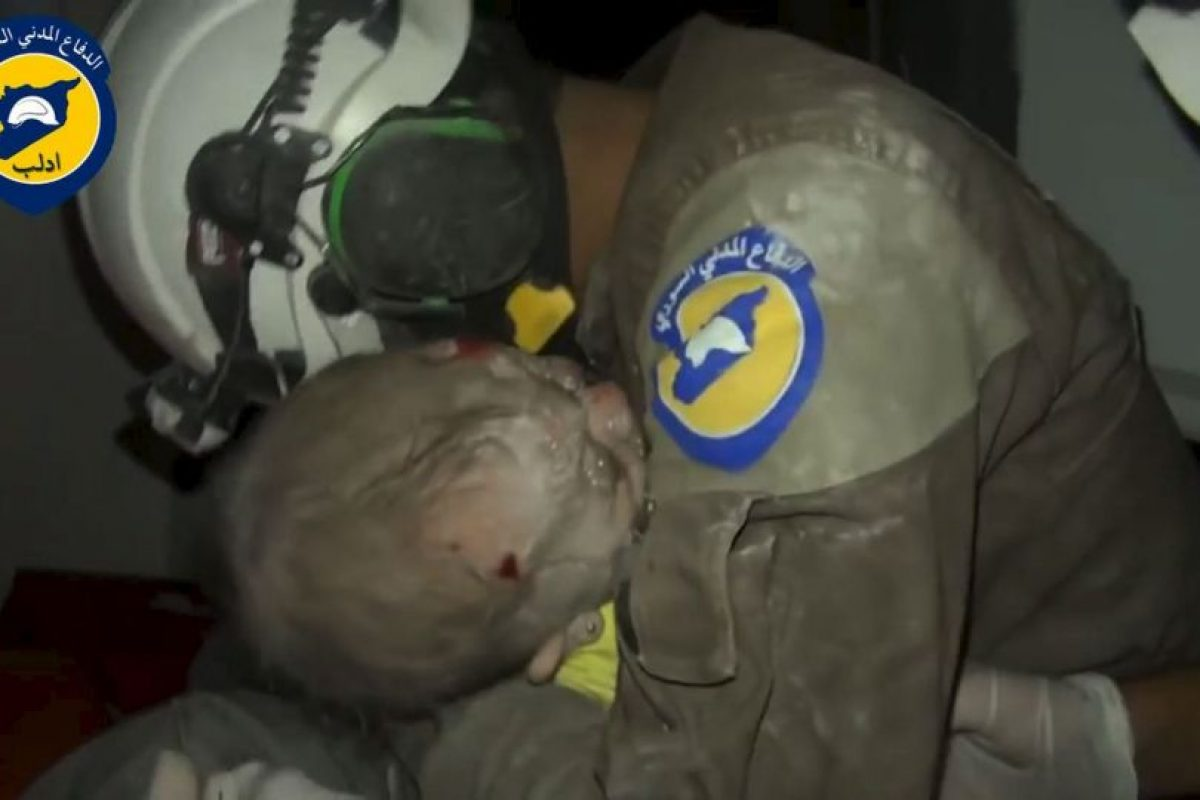 Su rescate fue ampliamente celebrado por los Cascos Blancos Foto:AFP. Imagen Por: