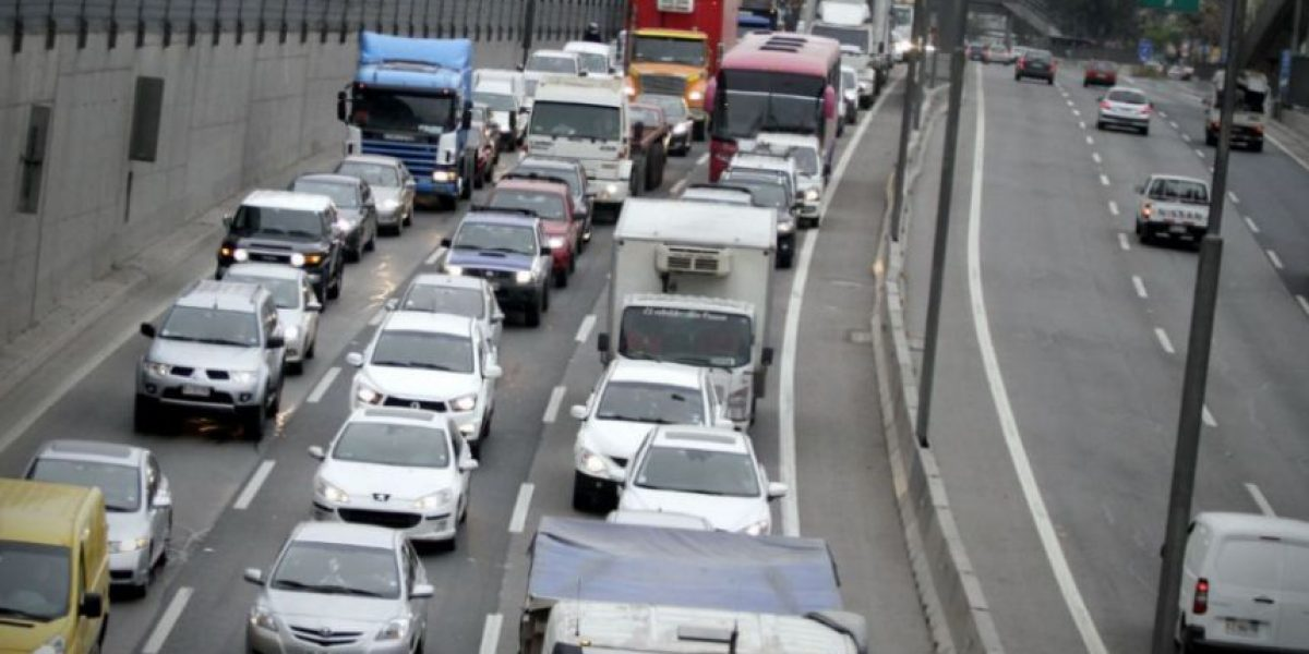 Nuevo plan busca reducir 60% de la contaminación en Santiago con restricción a catalíticos