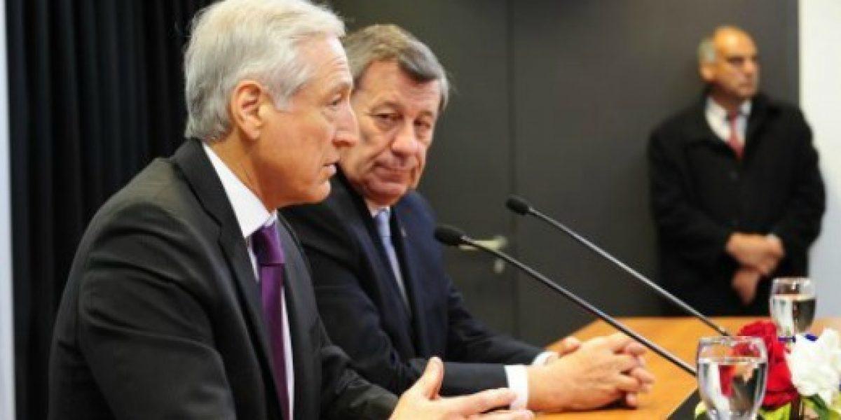 Chile y Uruguay firmaron Tratado de Libre Comercio en Montevideo