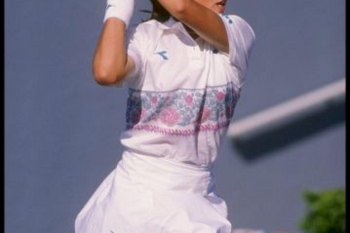 Jennifer Capriati es la tenista más joven que llega a una final. Jugó la última instancia del torneo Boca Ratón, en Florida, a los 13 años Foto:Getty Images. Imagen Por: