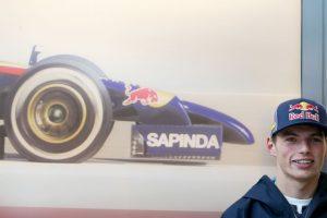 Max Verstappen es el piloto más joven que debutó en la F1. Corrió a los 17 años y tres días Foto:Getty Images. Imagen Por: