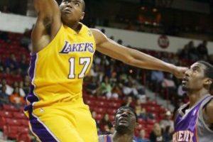 Andrew Bynum es el hombre más joven en jugar en la NBA con 18 años y seis días Foto:Getty Images. Imagen Por: