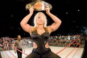 """La Glamazona"" – Beth Phoenix Foto:WWE. Imagen Por:"