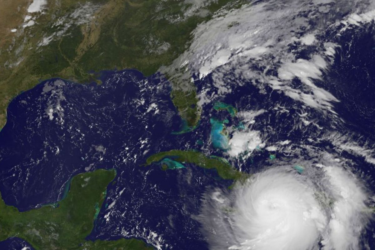 El huracán podría alcanzar el sudeste de Estados Unidos, por lo cual Florida y Carolina del Norte decretaron el estado de emergencia, mientras que Carolina del Sur ordenó la evacuación de las costas a partir del miércoles. Foto:Afp. Imagen Por: