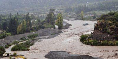 Análisis de Aguas Andinas detecta contaminación del agua del río Maipo