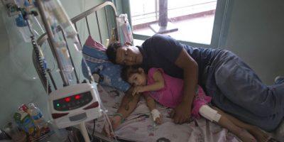 Venezuela: Niña que se hirió una rodilla al borde de la muerte por falta de antibióticos