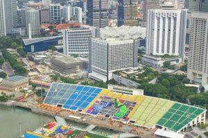 Estadio flotante en Marina Bay. El recinto de Singapur fue inaugurado en 2007 y salió al mundo por albergar los Juegos Olímpicos de la Juventud. Tiene un aforo de 30 mil espectadores Foto:Instagram Marina Bay. Imagen Por: