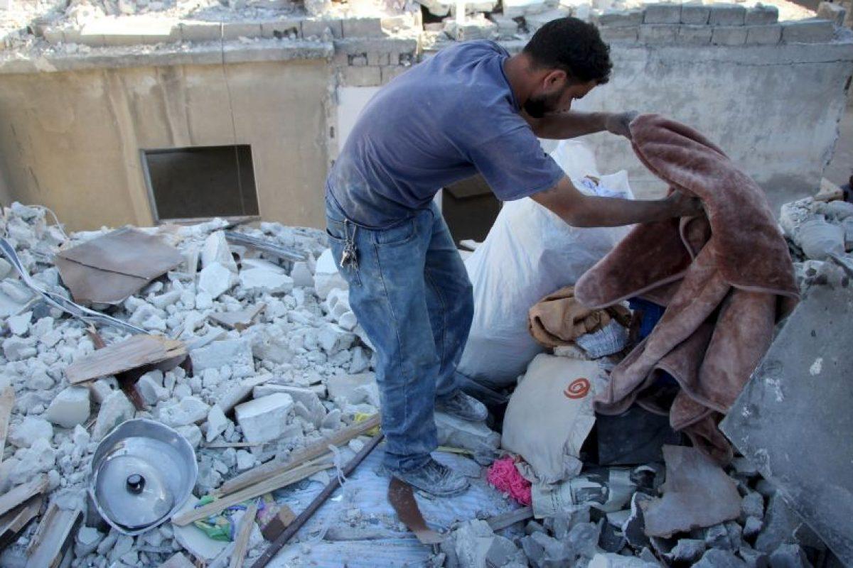 En los bombardeos perdió a su esposa y a su hija mayor Foto:AFP. Imagen Por: