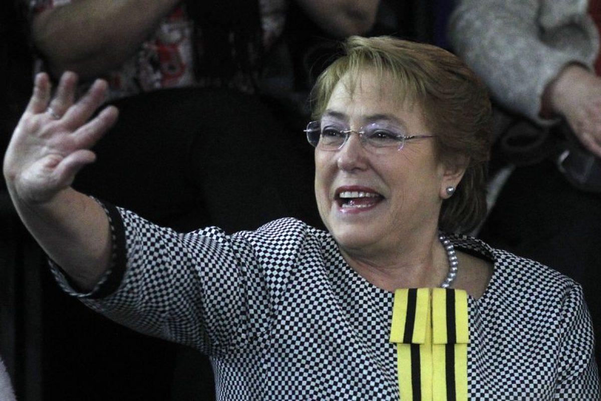 La Presidenta Bachelet también cae en la misma práctica. Su nombre completo es Verónica Michelle. Foto:Agencia UNO. Imagen Por: