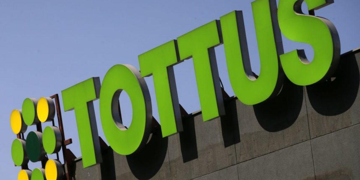 Tottus deberá indemnizar a cliente por robo de auto desde estacionamiento