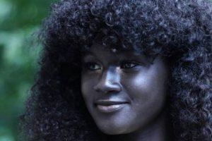 Tanto ha llamado la atención el color de Diop que los seguidores de su cuenta de Instagram han aumentado rápidamente en los últimos días. Foto:ReproducciónInstagram @melaniin.godess. Imagen Por: