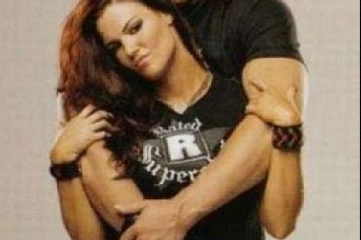 Hasta que en 2005 se dio a conocer que Lita había engañado a Matt con Edge Foto:WWE. Imagen Por: