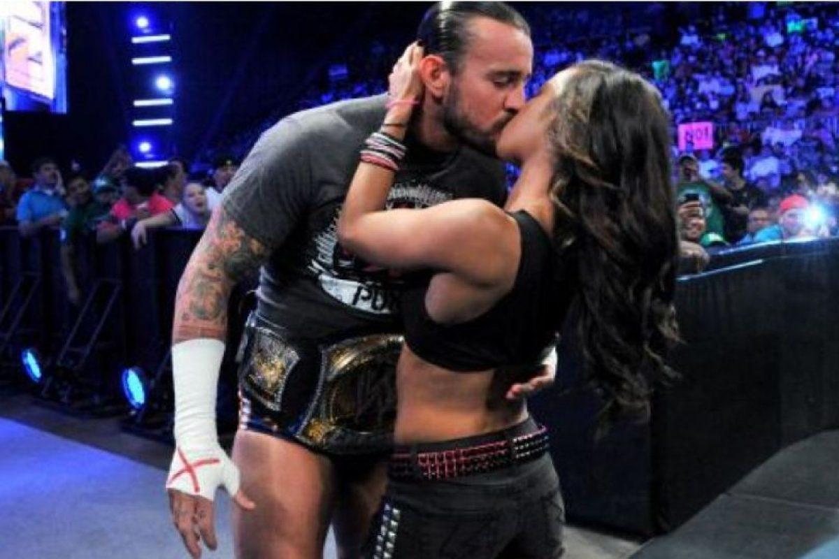 Punk se casó en junio de 2014 con AJ Lee Foto:WWE. Imagen Por: