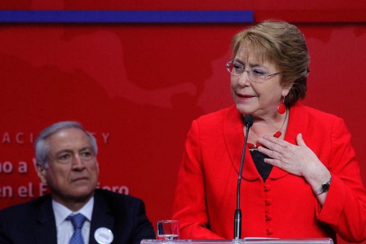La Presidenta Michelle Bachelet comenzó a utilizar su cuenta de Twitter hoy. Anteriormente había realizado otras acciones en RRSS como transmisiones vía Facebook Live. Foto:Agencia UNO. Imagen Por: