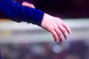 El dedo de Lionel Messi Foto:Twitter. Imagen Por: