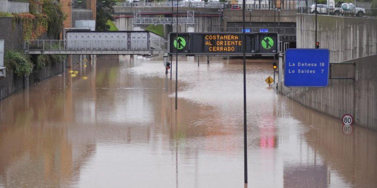 Sernac demandó a Costanera Norte por inundación del río Mapocho