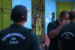 """Según la """"Encuesta nacional de percepción de calidad de vida penitenciaria"""" de Gendarmería, un 42,4% de los consultados cree que se debería mejorar el trato a los internos. Foto:Agencia UNO. Imagen Por:"""