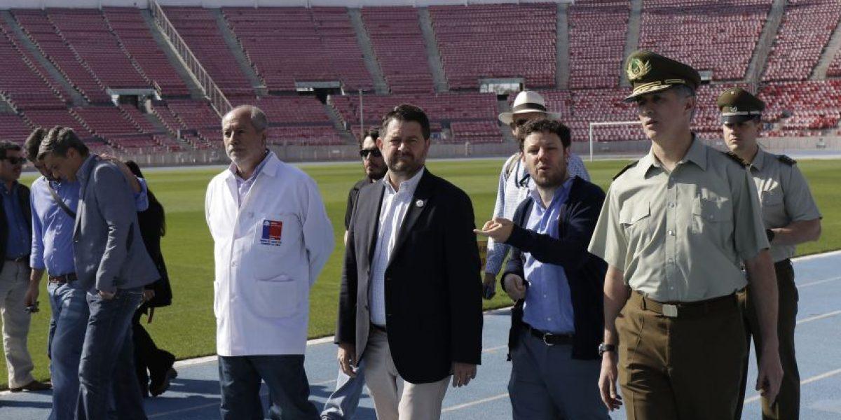 Autoridades inspeccionan Estadio Nacional de cara al choque entre Chile y Perú