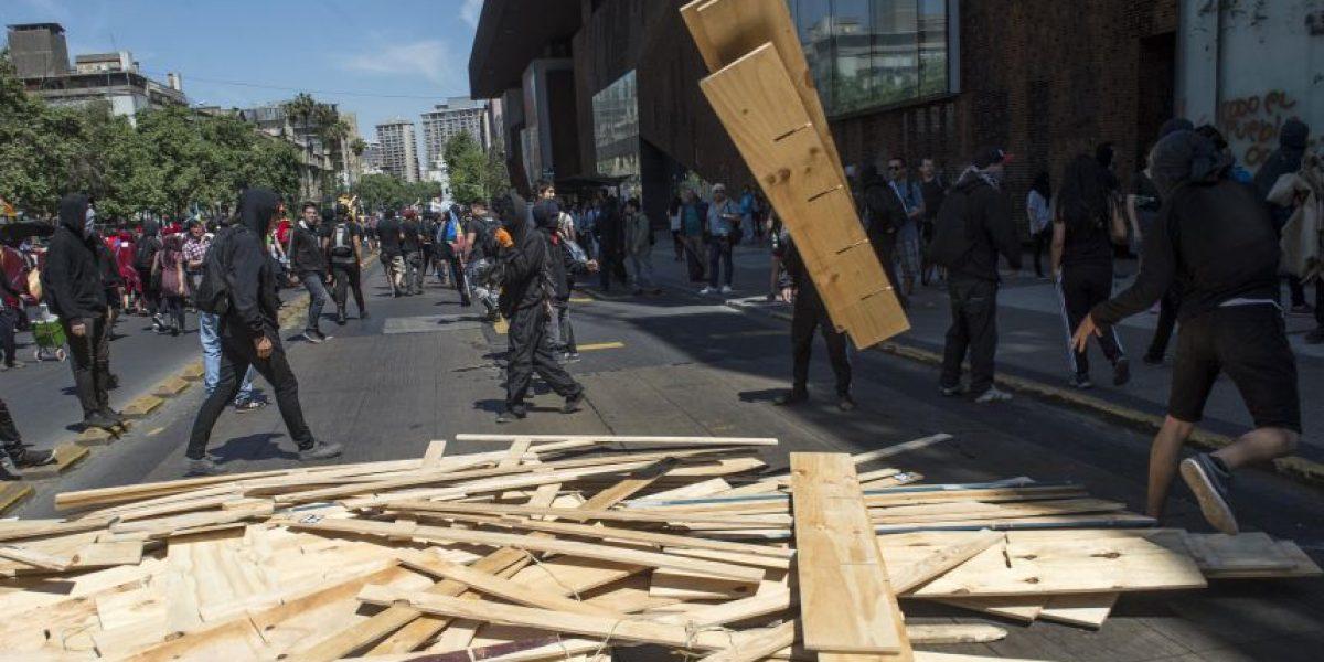 """""""Marcha por la resistencia mapuche"""" terminó con incidentes y desmanes"""