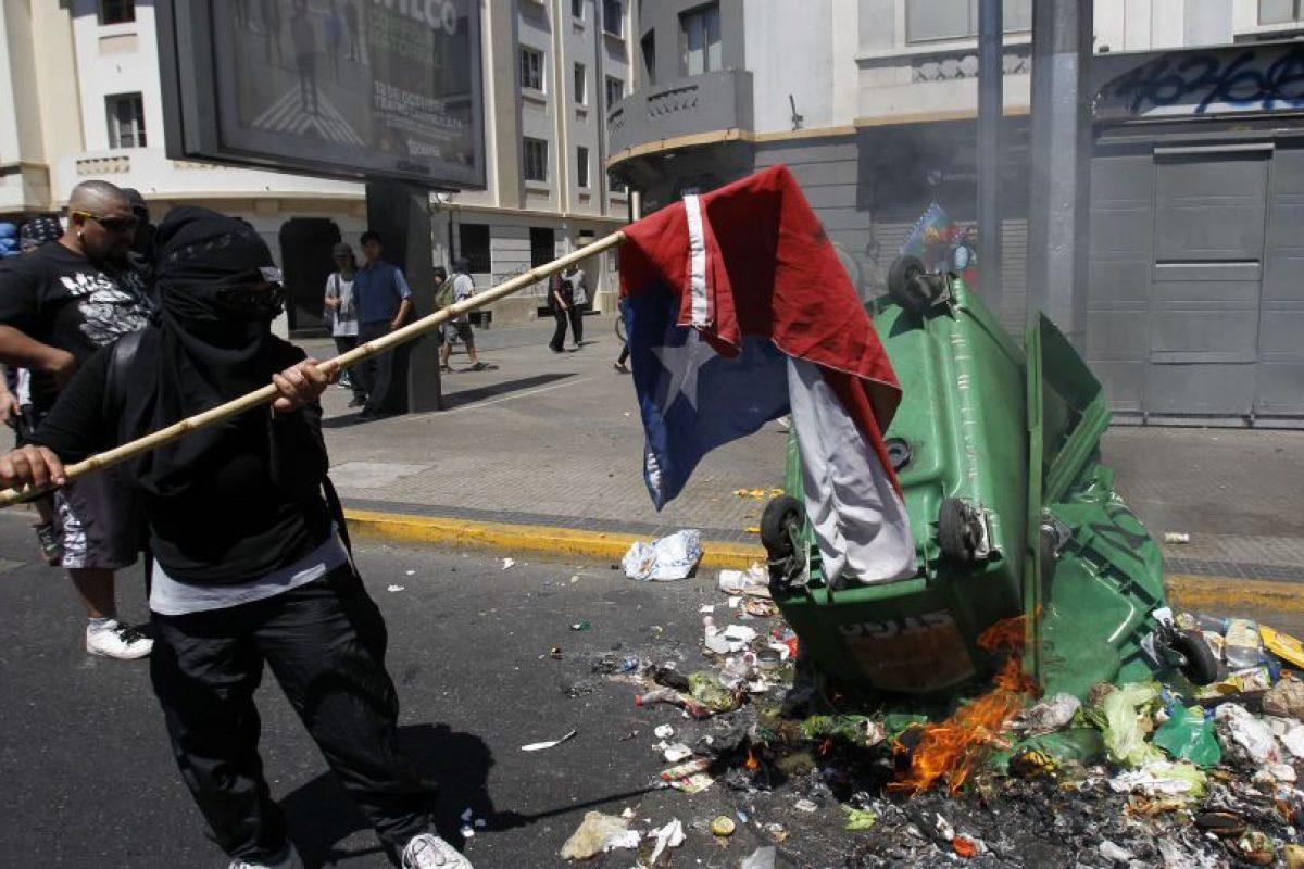 Esta marcha se realizó al mediodía por el centro de santiago, entre la plaza Baquedano y plaza Los Héroes. Foto:Aton. Imagen Por: