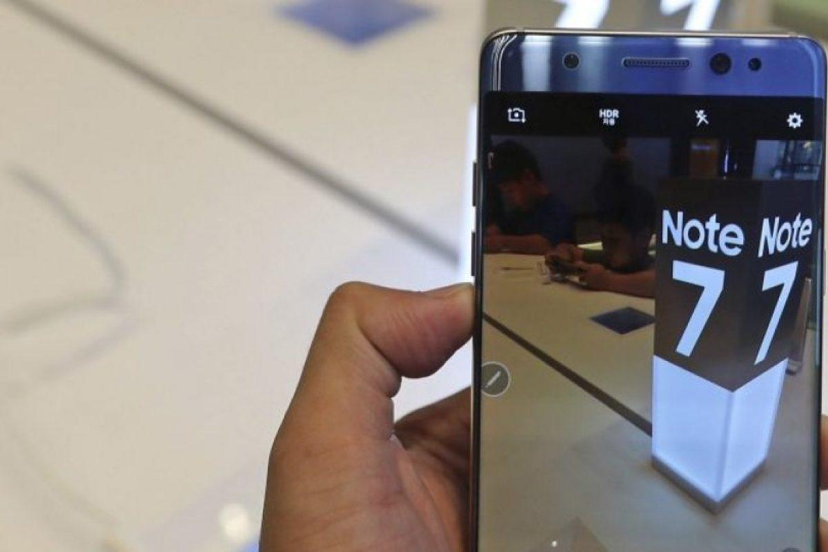 El Galaxy Note 7 tuvo un lanzamiento calamitoso debido a los riesgos de explosión de la batería, lo que obligó a la empresa a llamar a revisión a miles de aparatos. Foto:Efe. Imagen Por: