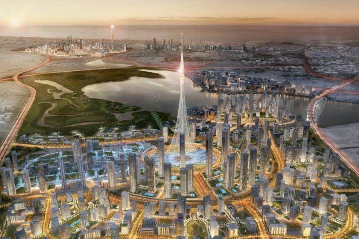En abril, el gigante de los bienes raíces, Emaar, había anunciado la construcción de esta torre indicando que sería más alta que el Burj Khalifa, pero sin precisar su altura exacta. Foto:Reproducción Facebook Jeque Mohammed bin Rashid Al Maktoum. Imagen Por: