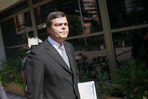 La entidad asegura que Cristián Barra se quedó con un iPad y un microproyector utilizado durante su gestión. Foto:Agencia UNO. Imagen Por: