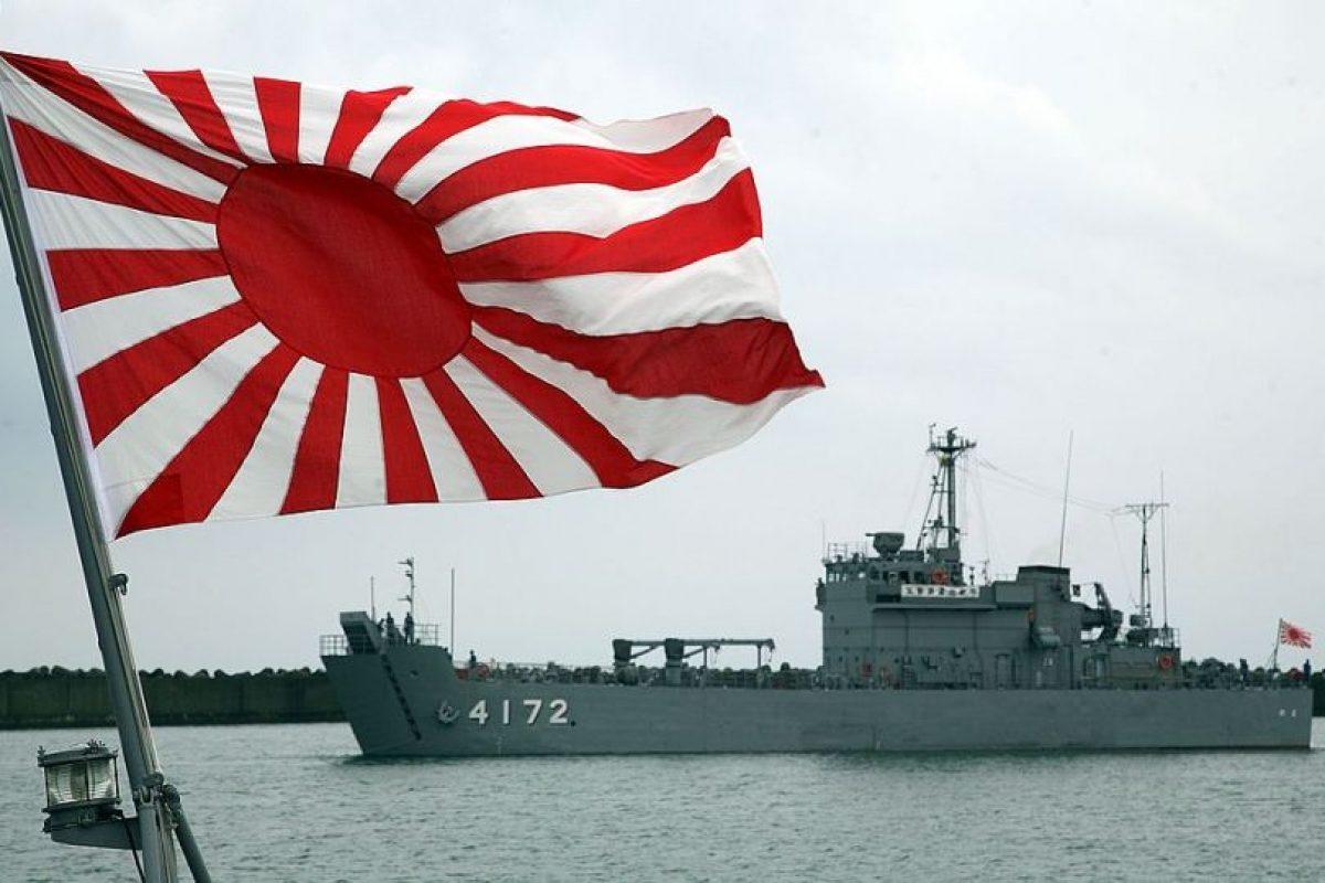La tradicional bandera de la armada japonesa. Alcanzó fama en la Segunda Guerra Mundial. Foto:Getty Images. Imagen Por: