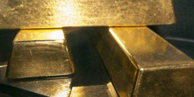 Firma mensual y arraigo nacional para sujetos acusados de contrabando de lingotes de oro