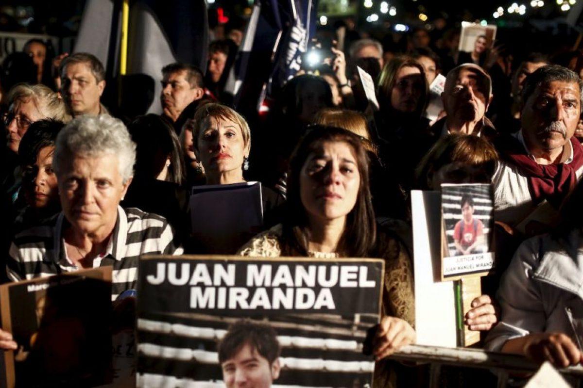 Miles de personas marcharon contra la inseguridad en Argentina Foto:AP. Imagen Por: