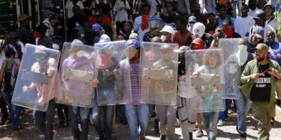Confech brinda apoyo a estudiantes sudafricanos que piden educación gratuita