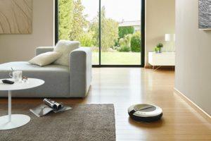 Las aspiradoras robot mantienen limpios los pisos, sin mayor esfuerzo. Foto:Decoración y tendencias. Imagen Por: