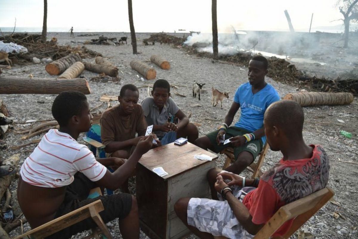 Las comunidades buscan regresar a la normalidad Foto:AFP. Imagen Por: