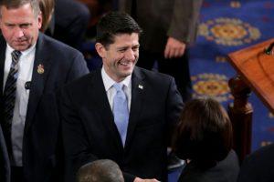 Paul Ryan, republicano presidente de la Cámara de los Representantes (diputados) de Estados Unidos, fue el último en quitar su apoyo público a Trump. Foto:AFP. Imagen Por: