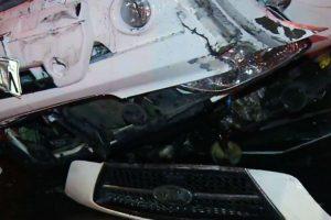 Personal de la Sección Investigadora de Accidentes de Tránsito de Carabineros investiga las causas de este accidente. Foto:Rodrigo Fuentes / Publimetro. Imagen Por: