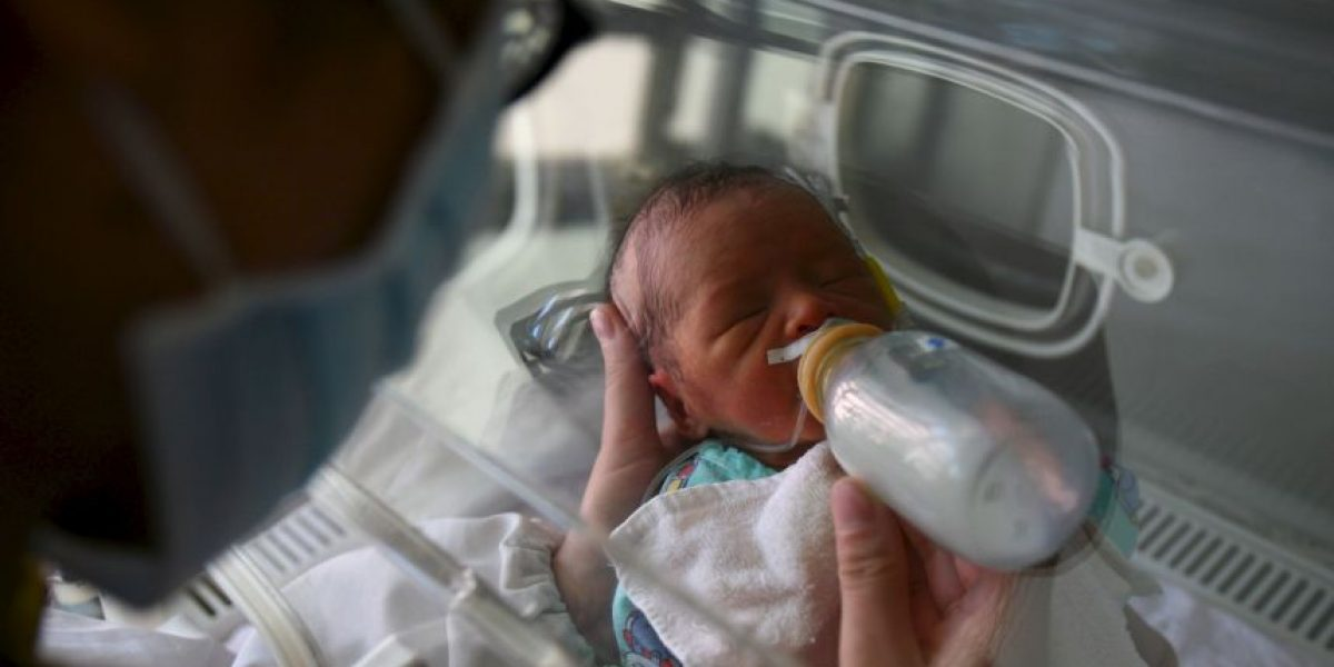 Refugiados intentaron vender a bebé recién nacida en eBay