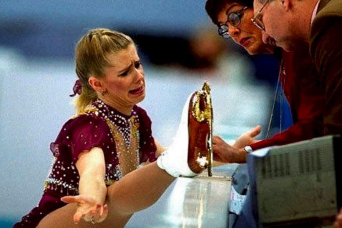 Tonya Harding. Una patinadora artística de Estados Unidos que después pasó al boxeo. Pero también comercializó una cinta casera. Imagen Por: