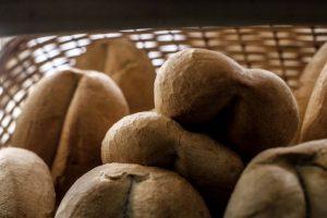 Se estima que el consumo per cápita de pan en Chile fluctúa entre 86 y 90 kilos al año, lo que nos ubica entre los mayores consumidores a nivel mundial. Foto:Agencia UNO. Imagen Por: