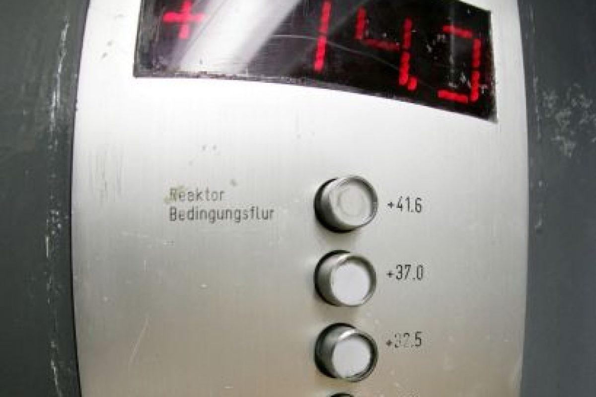 Mito: Presionar el botón para llamar al elevador no hará que vaya más rápido Foto:Getty Images. Imagen Por:
