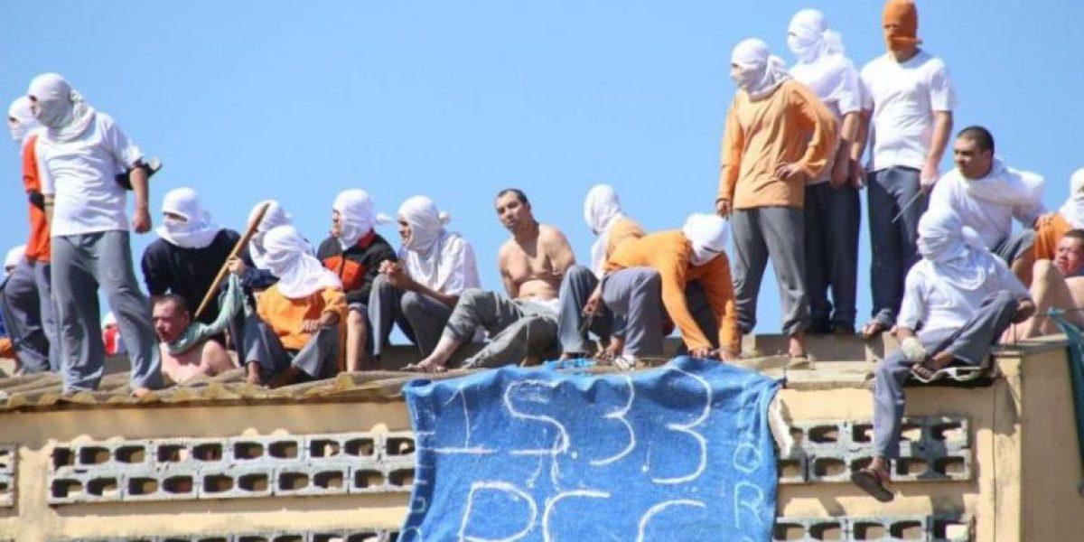 Violenta rebelión en cárcel de Brasil deja 25 muertos: reos fueron decapitados y quemados