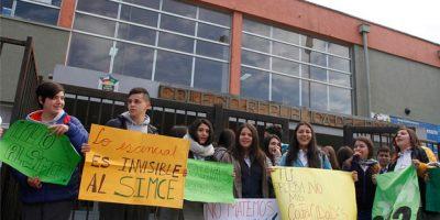 Estudiantes de Concepción protestan y se niegan a rendir Simce